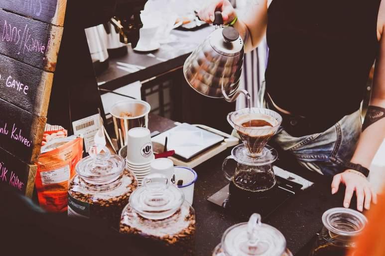 Ein Bild von einer Kaffeehaus Tasse